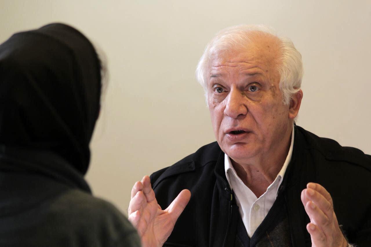 خسرو سینایی در گفتگو با تاریخ ایرانی