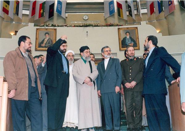 http://www.tarikhirani.ir/Images/news/1293360620_salone-saran2.jpg
