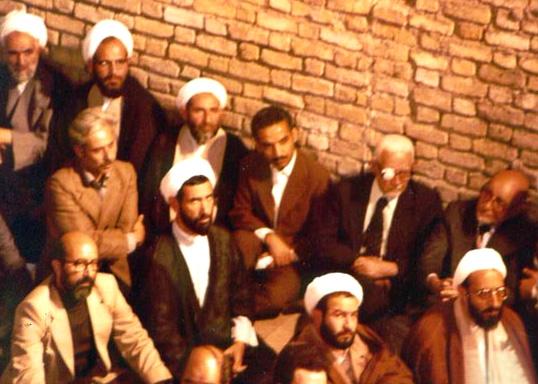 http://www.tarikhirani.ir/Images/news/1294840457_Chamran-Rajayi-Bazargan-sahabi-bahonar01.jpg