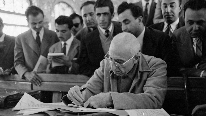 بررسی تاریخی سرنوشت دولت مردمی مصدق