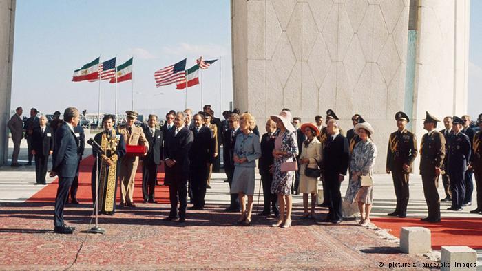 نیک رجال تاریخ ایرانی - عکسهای دیده نشده از شاه