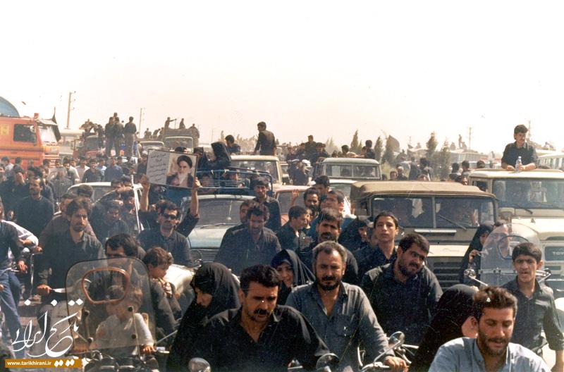 بدرقۀ باشکوه امام خمینی