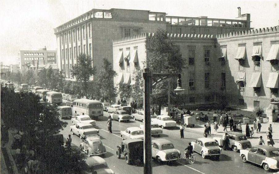 [تصویر:  Ferdowsi-Ave-08.jpg]